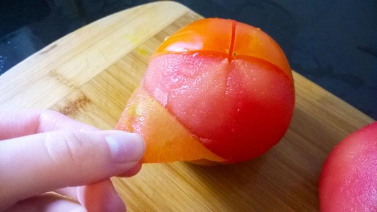 Oasis Urbano BA, Técnica de pelado de tomates