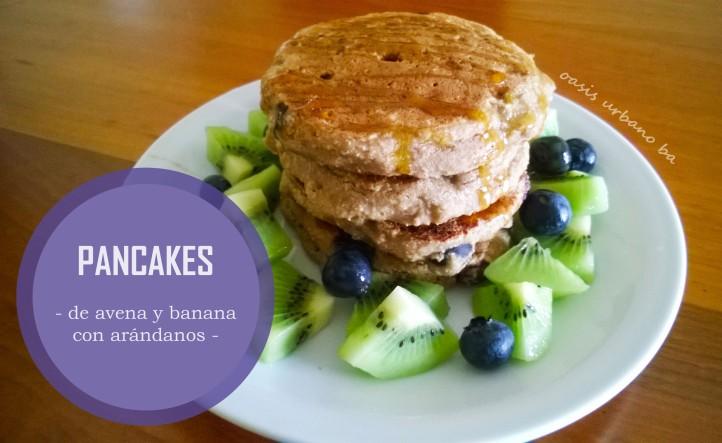 Oasis Urbano BA, Pancakes de avena y banana con arándanos 00